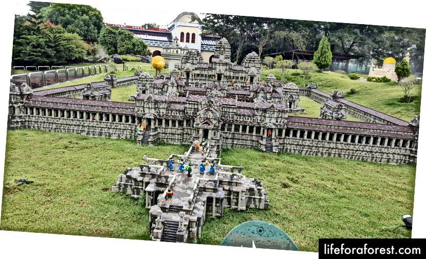 Legorandda legionlardan tayyorlangan Ankor Wat