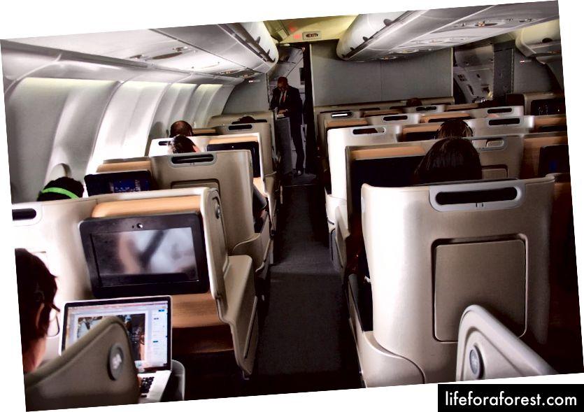 Hạng thương gia Qantas A330
