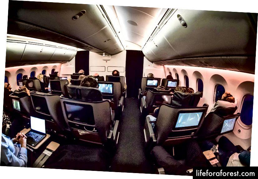 Kinh tế cao cấp Qantas 787