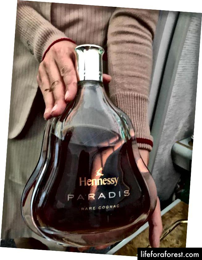 Hennessy Paradis Extra Rare Cognac, som selger for nesten $ 1000 AUD per flaske