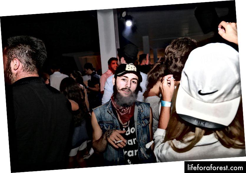 Klub malam di Batumi