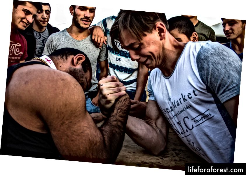 Festival rakyat di Tserakvi