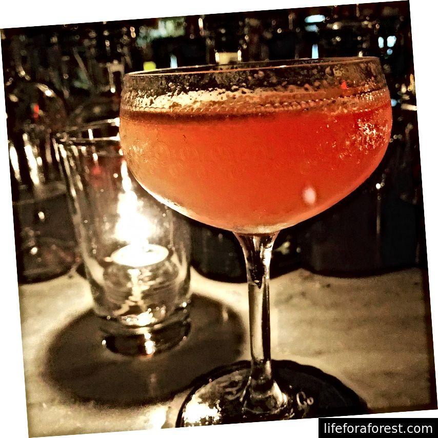 Nok en cocktail fra Death & Company