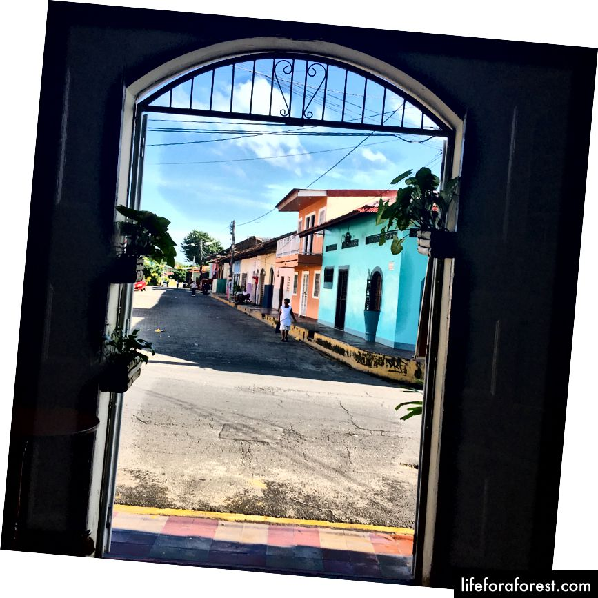 Nikaragua, Granada, Puente Papa Q yaqinidagi mahalliy restoranning ko'rinishi