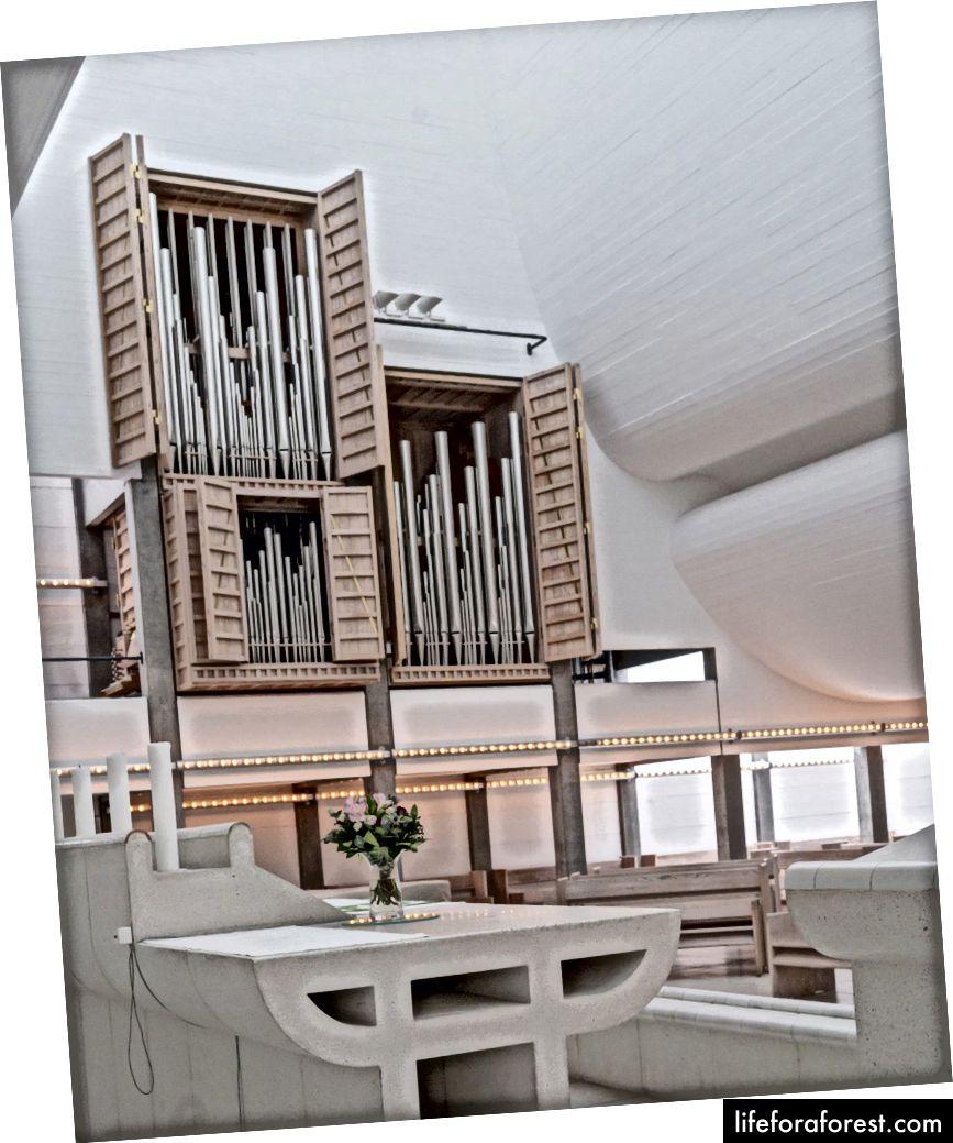 Interiorul uimitor al Bagsværd Kirke