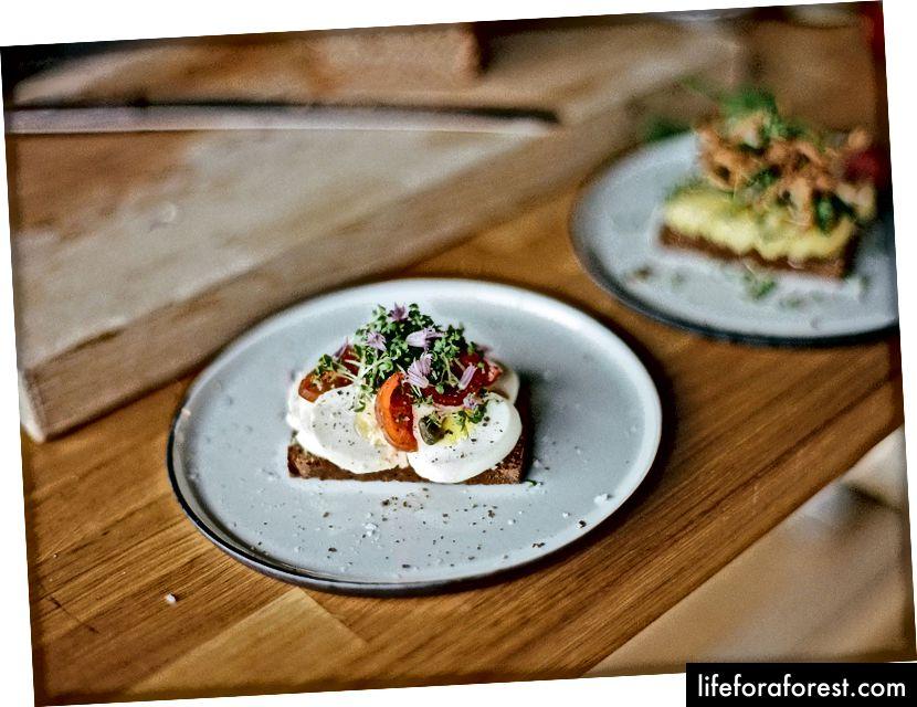 Sandwich-urile cu fața deschisă daneză numite smørrebrød