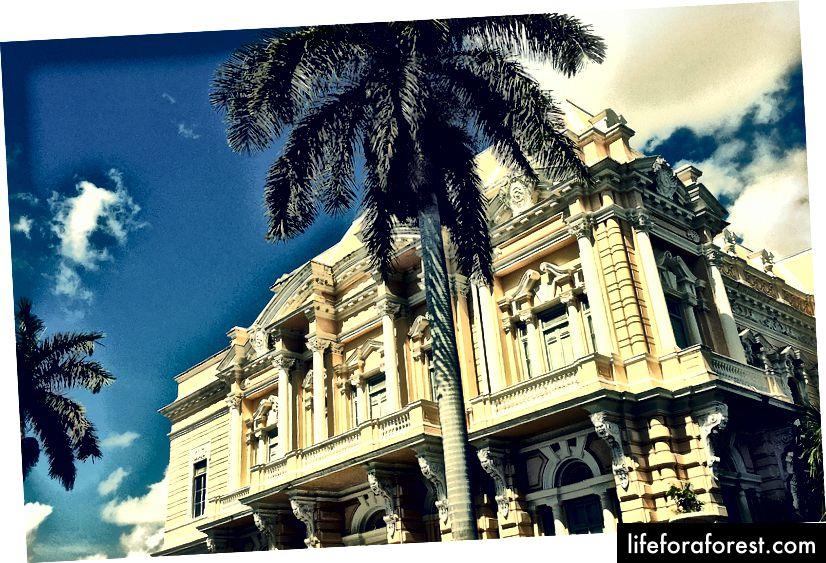 Museum for antropologi og historie ligger i et fantastisk herskapshus på Paseo Montejo.