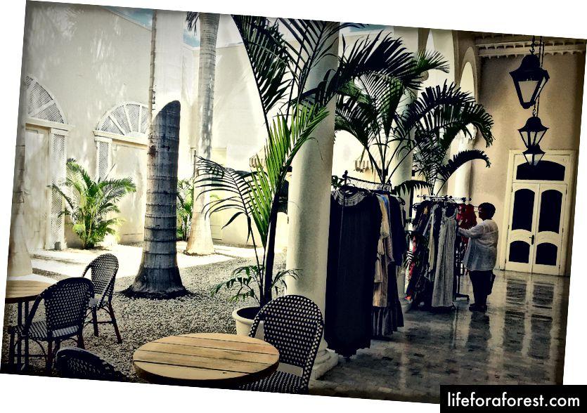 Paseo Montejo shahridagi Casa T'hó. Mahalliy do'konlar va kontseptsion do'konlar moda va interer dizayni ixlosmandlariga yoqadi.