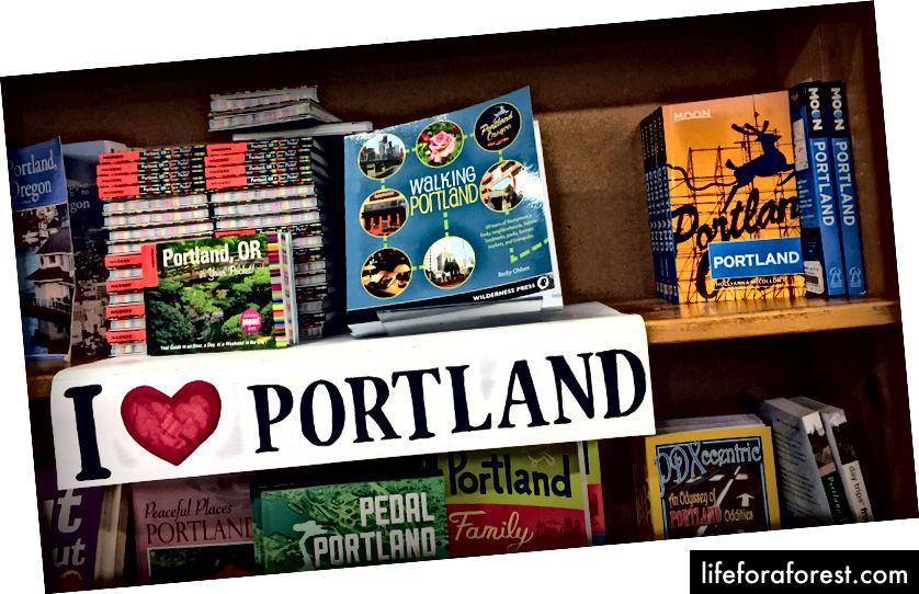 Haarake vanast heast paberist Portlandi juhendist ja planeerige ülejäänud viibimine, samal ajal Powelli kohalikus kohvikus latte rüübates.