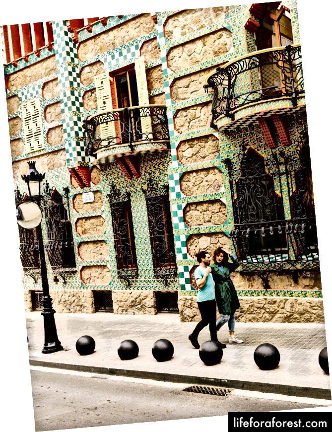 Casa Vicens regnes for å være en av de første bygningene i jugendstil i verden.