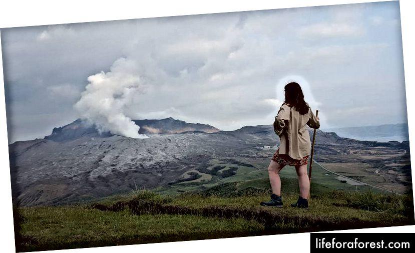 Jeg erobrer en vulkan Mt Aso (ja det er en massiv sprekk i jorden som jeg sto ved siden av)
