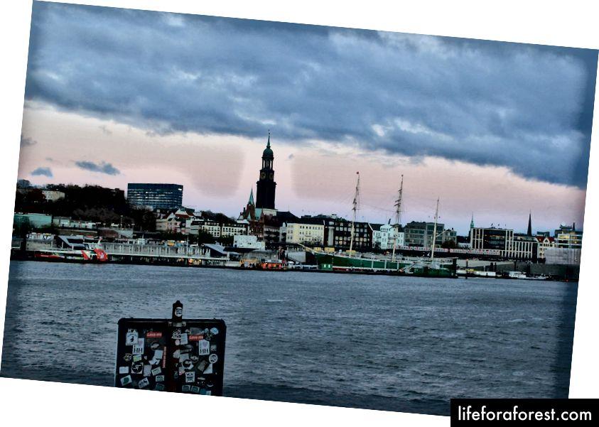 Ảnh chụp từ chuyến đi một mình của tôi đến Hamburg, Đức