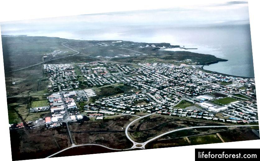 Landing i Keflavík, Island