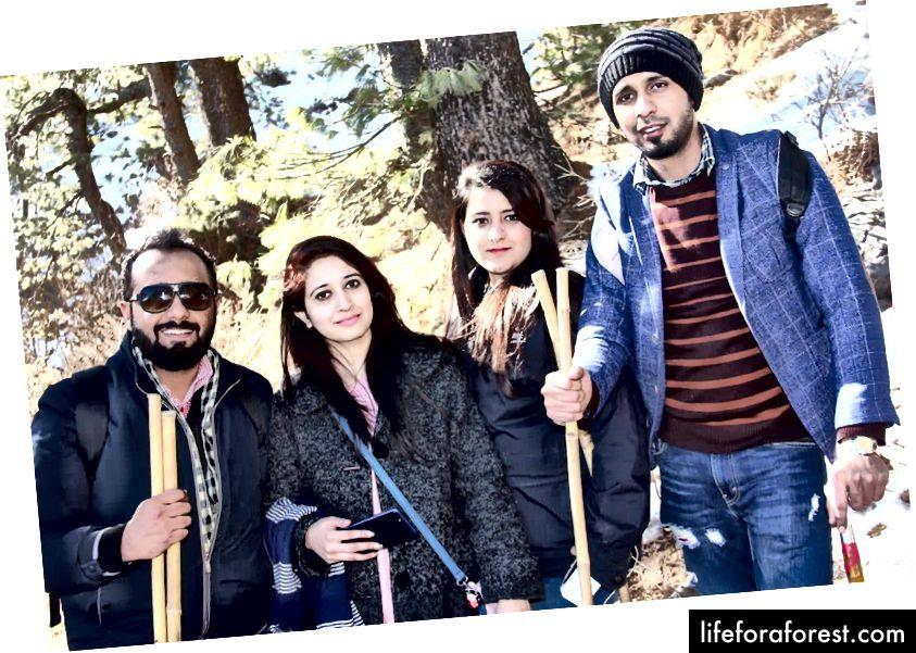 Hassan, Iqra (par), Eman og Ali (søsken)