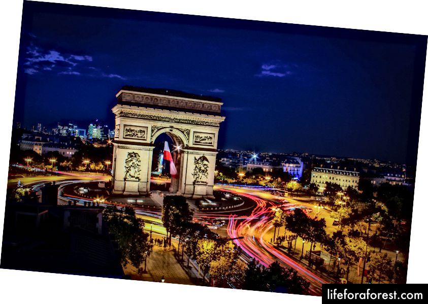 """""""Arch de Triomph"""" av Florian Wehde på Unsplash"""