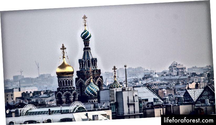 Quang cảnh từ Nhà thờ lớn St. Isaac, St Petersburg © ChristopherLarson