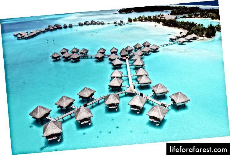 Đảo được nép mình trên vùng biển khoảng 230 km (143 dặm) về phía tây bắc Papeete.