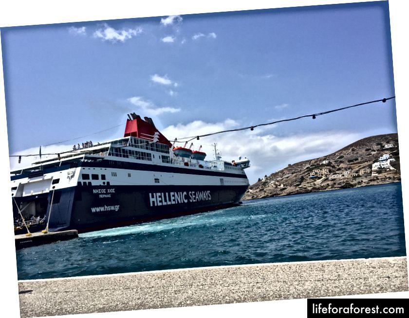 Ferry dorazil k Iosu.