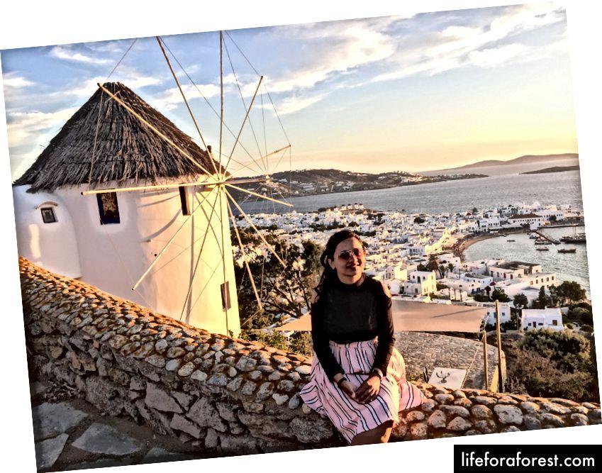 Západ slunce od 180 stupňů západ slunce zobrazení baru na vrcholu hradu Panigirakis ve městě Mykonos
