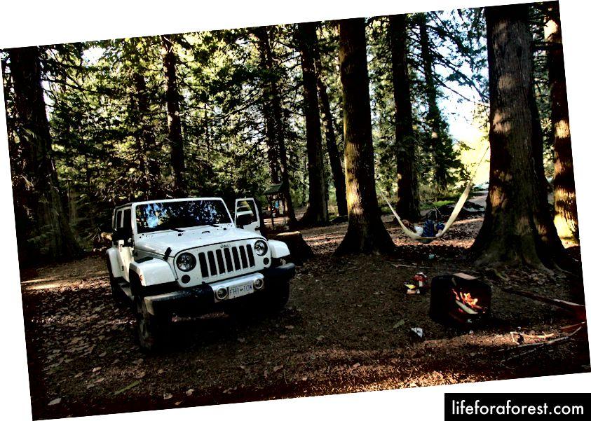 Campingplass i Victoria, Britisk Columbia. Twohairycoos.com