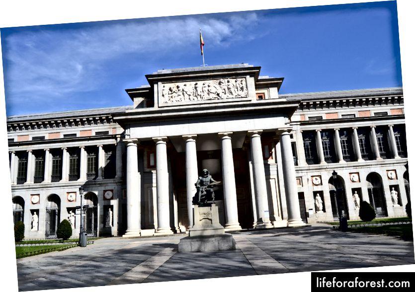 El Museo del Prado en 2016, Madrid, España (ảnh của Emilio J. Rodríguez Posada - nguồn: Wikiepedia, được sử dụng theo các điều khoản)