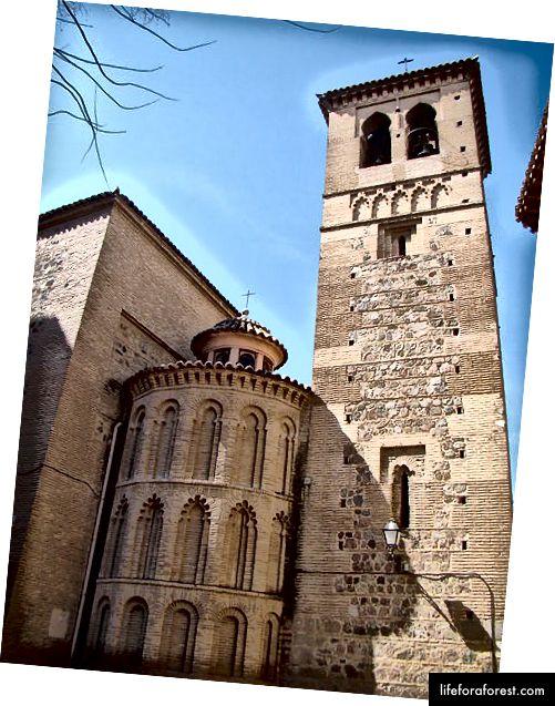 Convento de Santo Domingo El Antiguo (foto autor Antonio.velez, allikas: Wikipedia, kasutatud vastavalt terminitele)