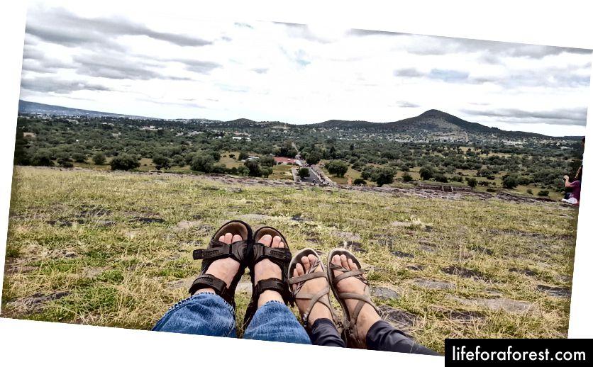Fotografie autora a jeho manželky v Teotihuacánu, Mexiko, 2017