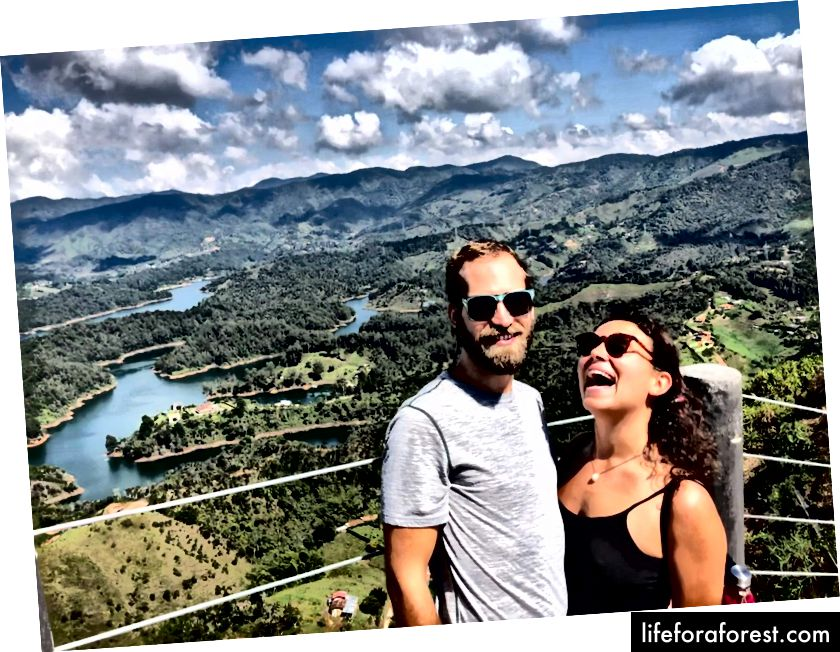 Sarah & I v Guatapé, Kolumbie