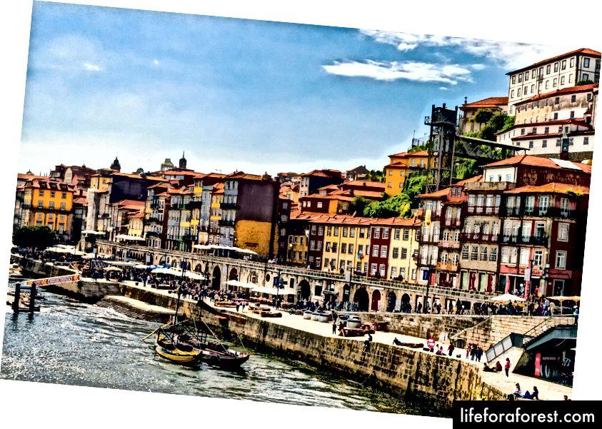 Nábřeží Ribeira, Porto, Portugalsko