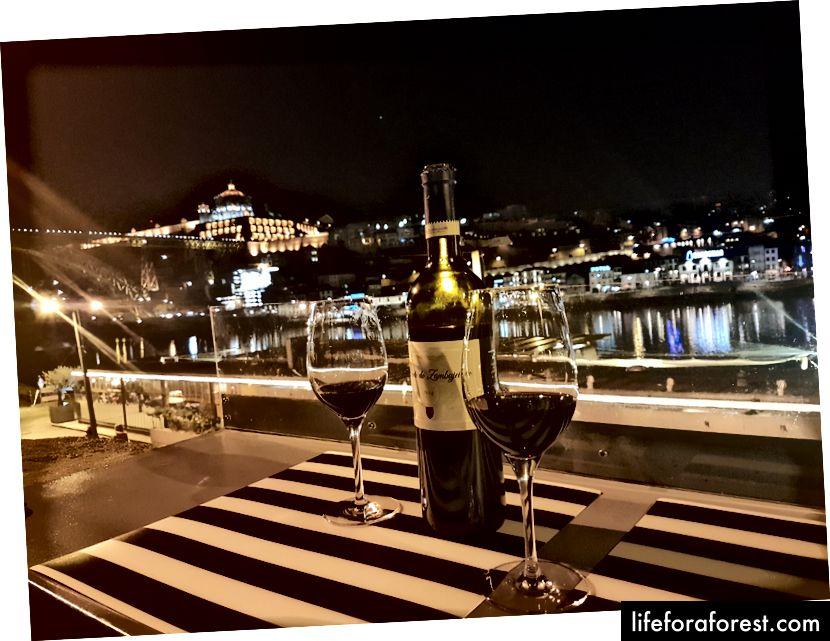 Vinárna Quay Bar, Porto, Portugalsko