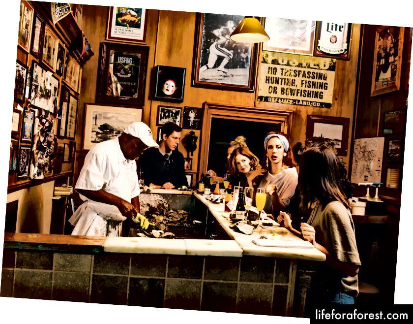 Paskalning Manale restoranidagi istiridye va qabariq