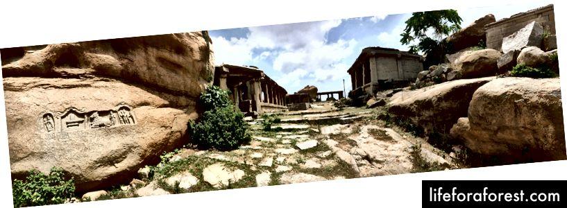 Con đường thời đại Vijayanagara ở Trung tâm linh thiêng gần Hampi, bên ngoài khu vực bán vé (Ảnh: Tathagata Neogi)