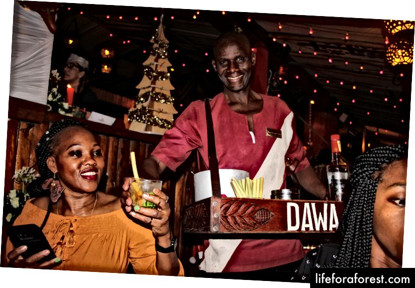 Bữa tối đêm Giáng sinh tại Carnivore - hoàn chỉnh với thịt, bài hát mừng và khiêu vũ không giới hạn.