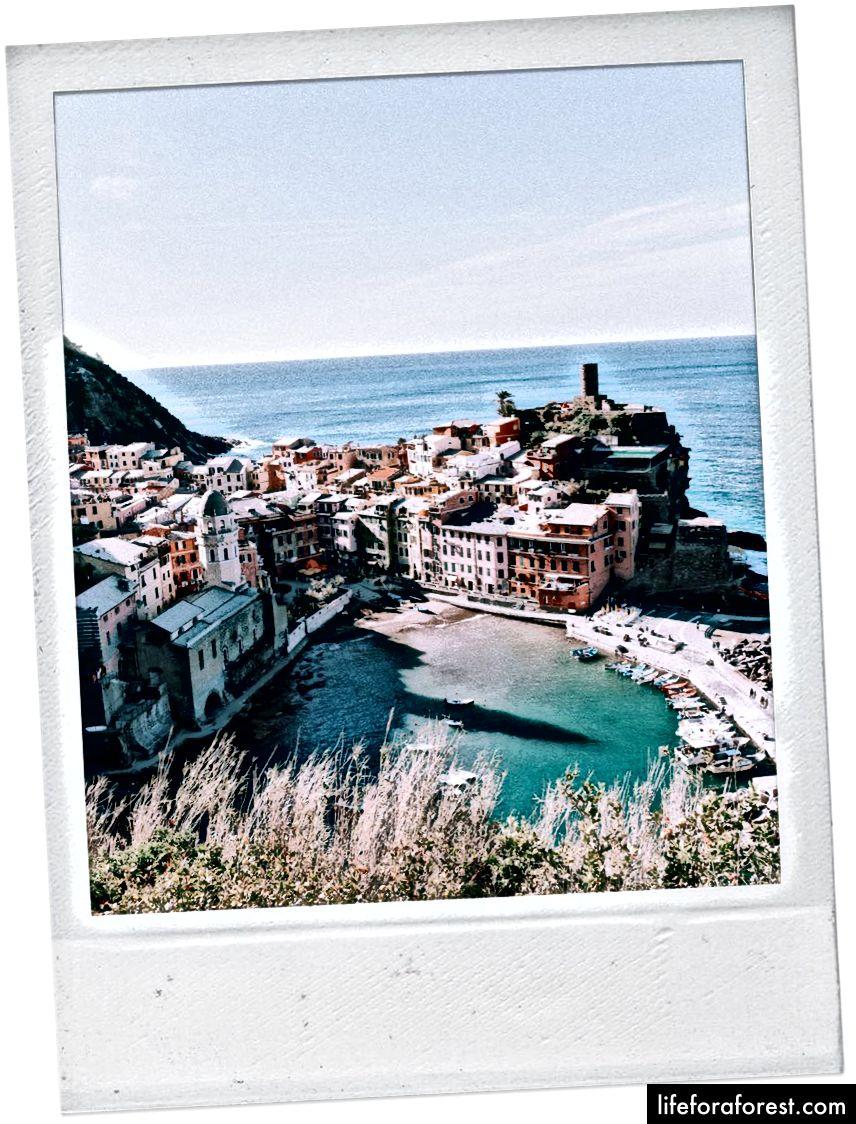Quang cảnh của Vernazza từ Lối đi bộ của Monterosso - Vernazza.