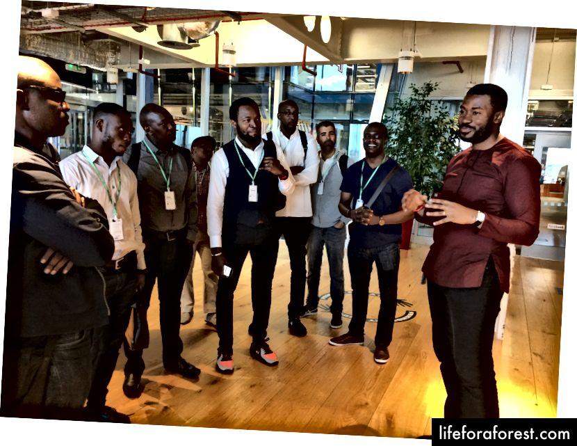 Emeka va Facebook HQ-dagi guruh