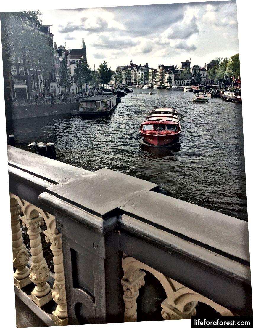 Thành phố này đúng với tên gọi của nó - và Amsterdam rất đẹp