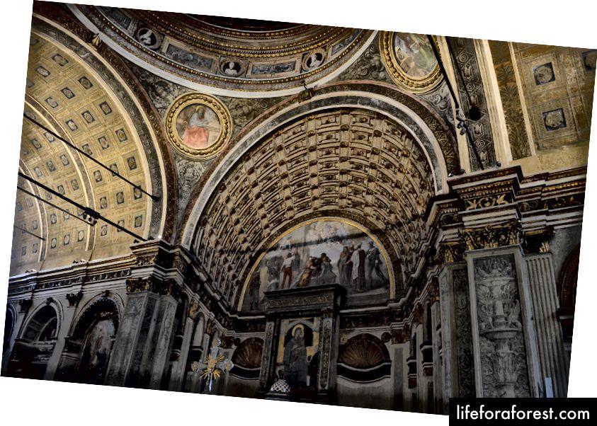 Једна од многих импресивних цркава у Милану, Санта Мариа прессо Сан Сатиро