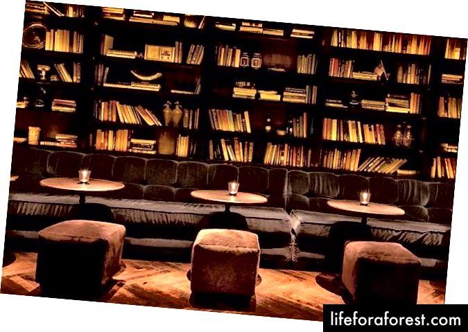 En sjarmerende salong, perfekt for lesing ... eller romantikk