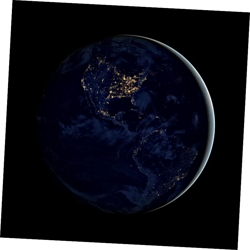 Зямля ноччу выпраменьвае электрамагнітныя сігналы, але для ўзнікнення падобнага малюнка ў светлавыя гады спатрэбіцца тэлескоп неверагоднай дазволу. Крэдыт малюнка: Абсерваторыя Зямлі НАСА / NOAA / DOD.
