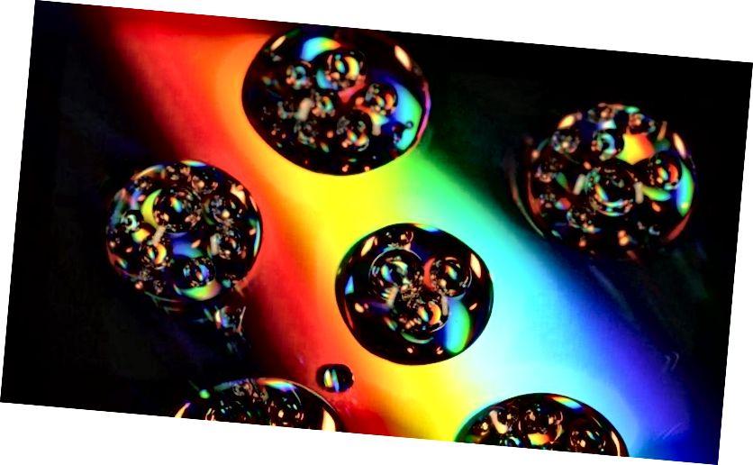 Während vorausgesagt wird, dass viele unabhängige Universen in einer aufblasenden Raumzeit entstehen, endet die Inflation nie überall auf einmal, sondern nur in bestimmten, unabhängigen Bereichen, die durch den Raum getrennt sind, der sich weiter aufbläst. Hier kommt die wissenschaftliche Motivation für ein Multiversum her und warum niemals zwei Universen kollidieren werden. (KAREN46 / FREEIMAGES)