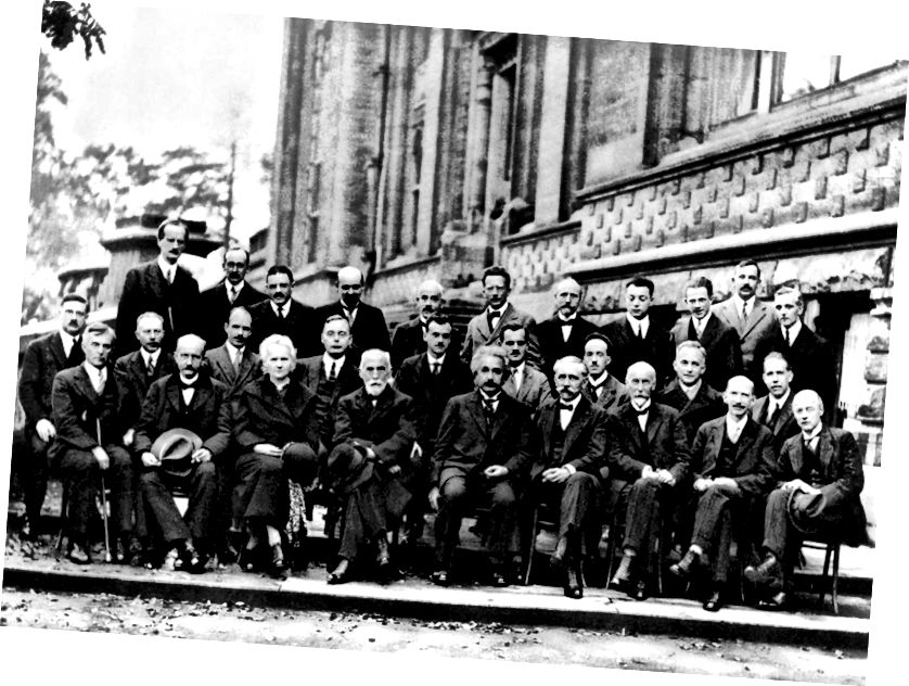 1927 г. Конференция на Солвей по квантова механика. Почти всички, показани на това изображение, имат Нобелова награда за името си, а всички, освен Мари Кюри, са бели хора по физика. (BENJAMIN COUPRIE, INSTITUT INTERNATIONAL DE PHYSIQUE SOLVAY, БРУСЕЛ, БЕЛГИЯ)