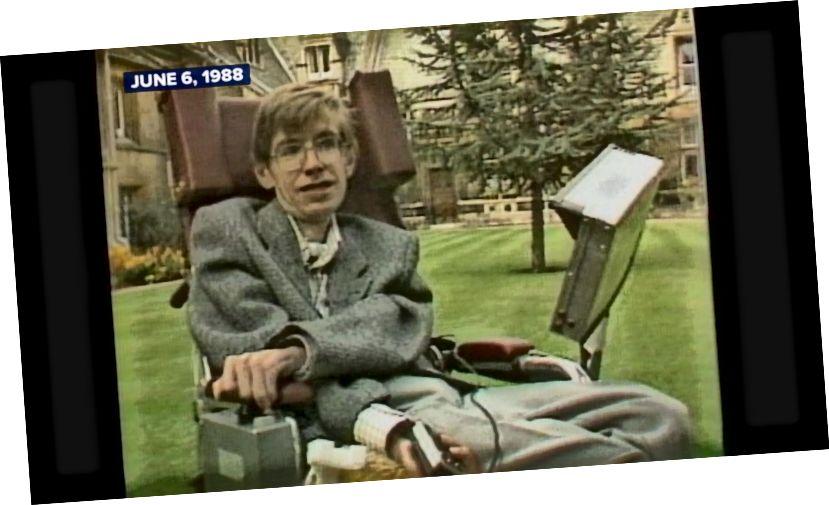 kép egy 1988-as televíziós interjúból, amely népszerűsíti a rövid történetet az időről (ABC News)