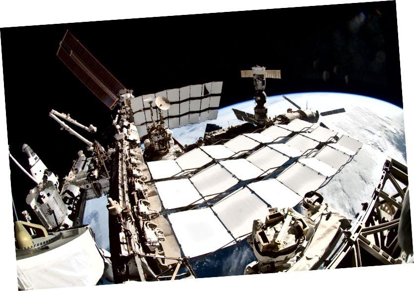 Wärmekühlerplatten auf der Internationalen Raumstation. Quelle: NASA
