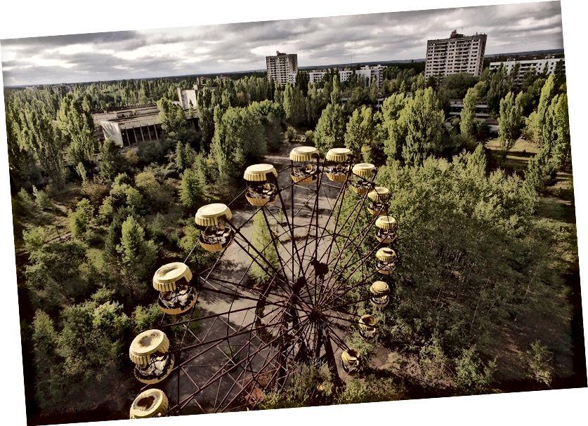 Ein Bild aus Pripyat, einer ukrainischen Stadt, die 1986 aufgrund der Kernschmelze von Tschernobyl evakuiert wurde. Menschen können dort immer noch nicht leben, ohne die Gefahr einer Strahlenvergiftung. Die Natur erholte sich ziemlich schnell.