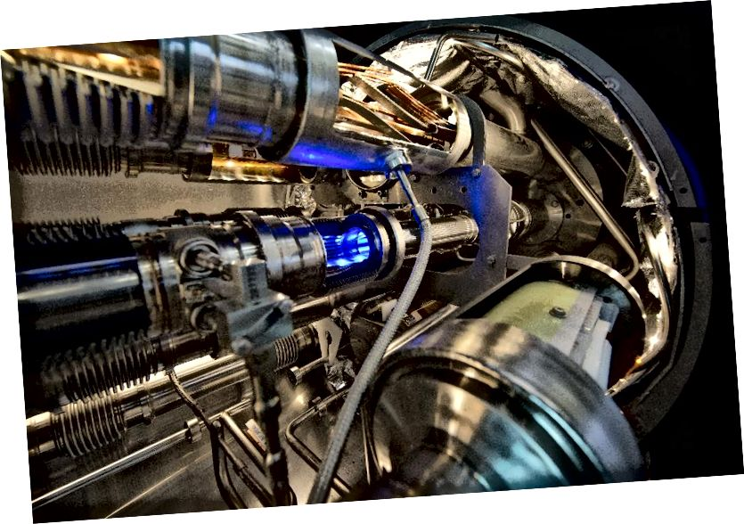Унутры мадэрнізацыі магніта на LHC ён працуе амаль у два разы больш энергіі першага (2010–2013) прабегу. Будучае павышэнне энергіі і свяцільнасці (колькасць сутыкненняў у секунду) прывядзе да яшчэ большай колькасці дадзеных.