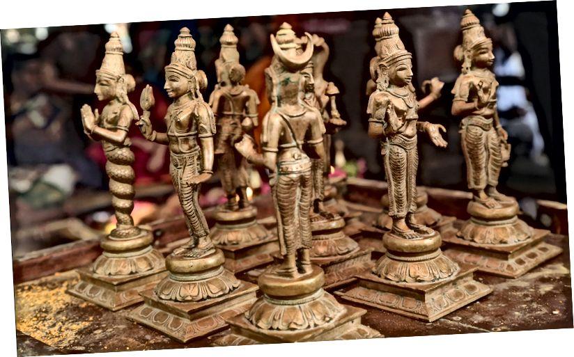 Наваграха Ідалы ў храме лорда Дханавантары, Каімбатур