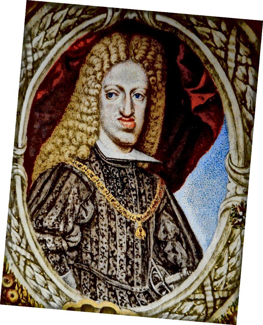 Španjolski kralj Habsburg kralj Karlo II. Otac mu je bio ujak za majku, pa je Charlesu postao njihov sin, veliki nećak i prvi rođak.