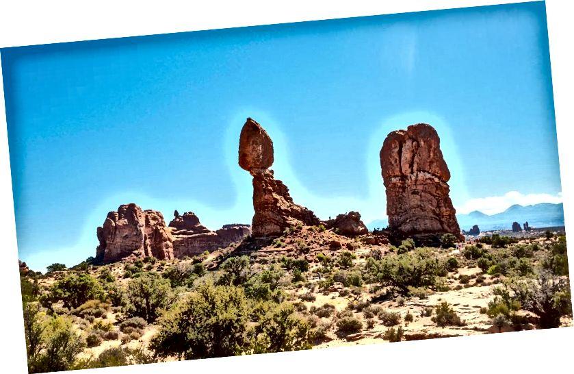 Здаецца, гэтая скальная фармацыя, вядомая пад назвай Збалансаваная скала ў Нацыянальным парку арк, знаходзіцца ў няўстойлівым раўнавазе, як быццам бы хтосьці там яе склаў і выдатна збалансаваў. Аднак гэта не проста супадзенне, а хутчэй вынік асноўных геалагічных і эрозійных працэсаў, якія спарадзілі структуру, якую мы бачым сёння. (GETTY)