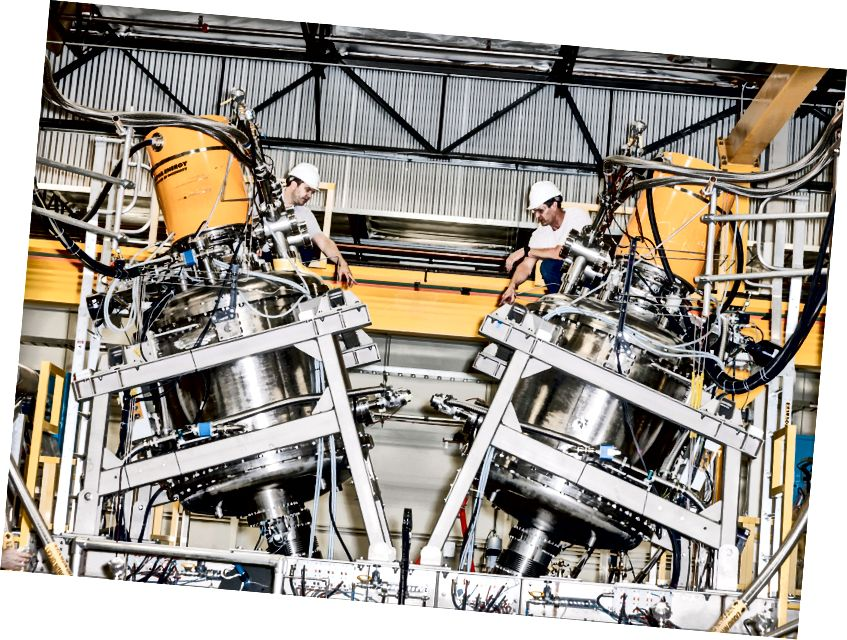 Ein Foto aus dem Jahr 2016 zeigt das zentrale Einschlussgefäß eines Prototyp-Fusionsreaktors, der von Tri Alpha Energy (jetzt TAE Technologies) gebaut wurde. Foto: Julian Berman