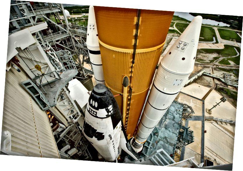 «STS-135 до запуска» - Кредит: НАСА